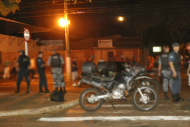 Polícia prendeu um dos autores de disparos perto do local do crime ainda na madrugada de ontem. - Crédito: Foto: Arquivo