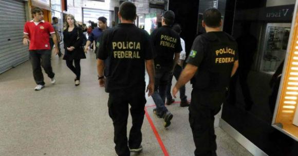 Falsos policiais roubam 60 armas de empresa de segurança -