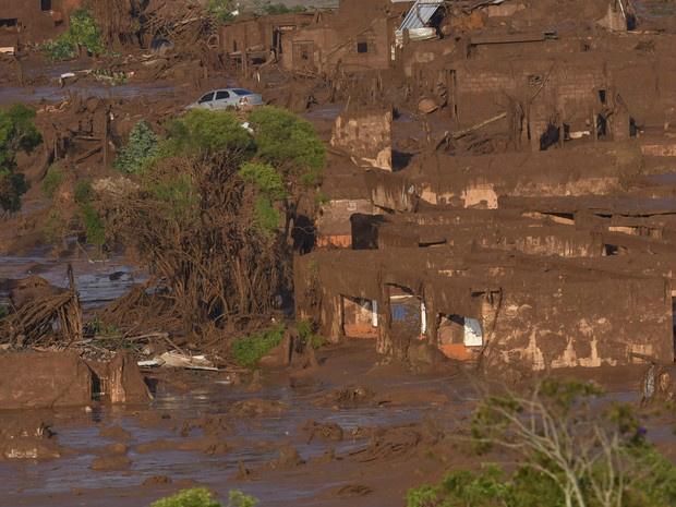 MPF pede R$ 155 bilhões em ação civil contra Samarco -