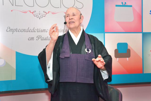 Zen budista ministrou palestra em Dourados para mulheres empresárias. - Crédito: Foto: Marcos Ribeiro