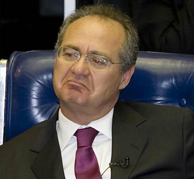 Renan lê em plenário resultado da votação do impeachment -