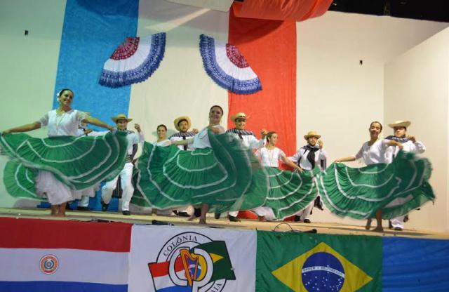 Grupos paraguaios vão abrilhantar a Noite Cultural que será realizada sábado na sede da Associação da Colônia Paraguaia de Dourados. - Crédito: Foto: Divulgação