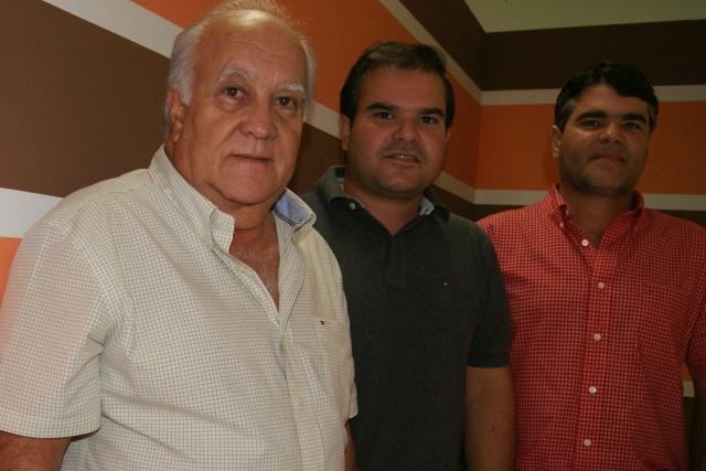 Empresário Carlos Guaritá e os filhos Frederico e Carlão Guaritá da Leiloboi Leilões Rurais. - Crédito: Foto: Divulgação