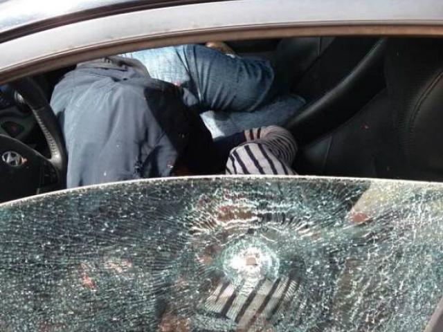 Os executores estavam em duas motocicletas e teriam disparado contra o casal que morreu no local; não se sabe ainda a motivação. - Crédito: Foto: Capitan Bado