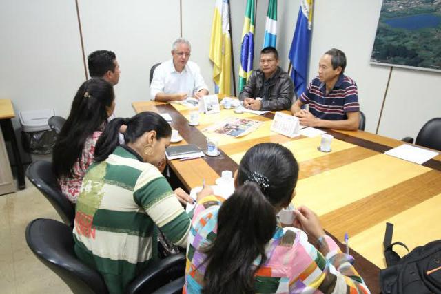 Vereadores se reuniram ontem com a comissão organizadora. - Crédito: Foto: Thiago Morais