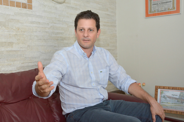 Deputado estadual Renato Câmara  vai continuar presidindo o diretório local do PMDB. - Crédito: Foto: Hedio Fazan
