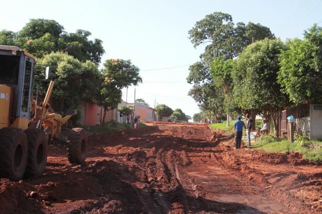 Pavimentação asfáltica em diversas ruas dos bairros Campo Verde e Vila Beatriz. - Crédito: Foto: Thiago Odeque