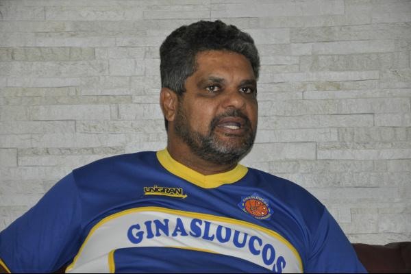 """Rogério é um dos idealizadores do grupo """"Ginasloucos"""", uma mistura de esporte com ousadia e espetáculo -"""