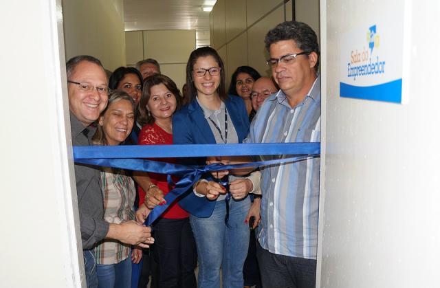 Sala do Empreendedor foi inaugurada e agora comerciantes poderão contar com assessoria. - Crédito: Foto: Paulo César