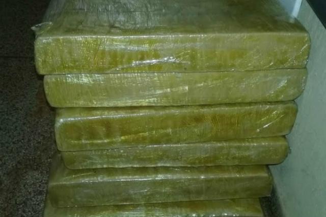 Mulher foi presa com droga no Terminal Rodoviário de Dourados. - Crédito: Foto: Divulgação