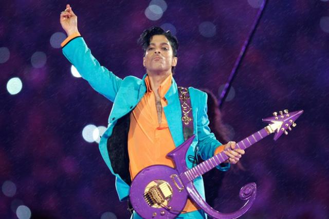 Prince em apresentação no ano de 2007  durante o show do intervalo do Super Bowl XLI no Dolphin Stadium, em Miami. - Crédito: Foto: Divulgação