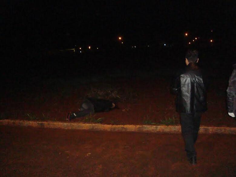 Homem foi assassinado na VIla Toscana, em Dourados Foto: Cido Costa/Dourados Agora -