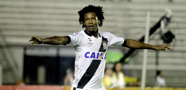 """Apó gol, Vaz não se deixa levar: """"Sou zagueiro"""". - Crédito: Foto: Divulgação"""