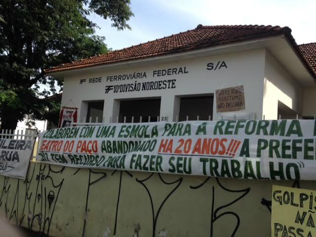 Cartazes e faixas estão na fachada do Iphan / Foto: Daiane Libero -