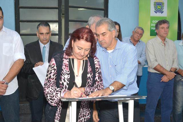 Governador Reinaldo Azambuja inaugurou em Dourados, ontem à tarde, a Coordenadoria Regional de Educação. - Crédito: Foto: Marcos Ribeiro