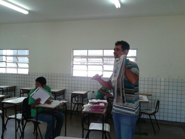 Professor Cleber Dias explica procedimentos para leitura. - Crédito: Foto: Divulgação