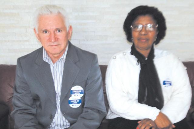"""Estiveram nos visitando os membros do Conselho Regional de enfermagem de MS, Diogo Casal e Luzia Brianezi. O Conselho realizou quinta na Câmara Municipal um ato pelo """"Dia Nacional de luta pela valorização da Enfermagem""""! Também foram realizadas homenagens -"""