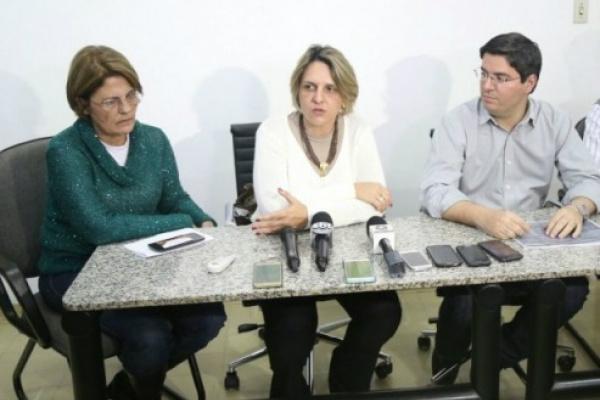 Prefeitura convoca coletiva para informar sobre o caso da primeira aluna com suspeita de H1N1 na Reme. Aulas foram suspensas nesta quarta-feira - Crédito: Foto: Fernando Antunes