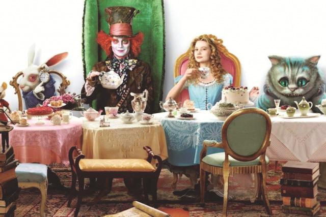 """Continuação de """"Alice nos País das Maravilhas"""", amplia o universo dos livros do autor Lewis Carroll e mantém a diversão familiar. - Crédito: Foto: Divulgação"""