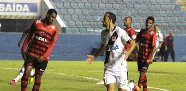 Nenê comemora seu gol pelo Vasco, marcado aos 23 segundos do primeiro tempo. - Crédito: Foto: Divulgação
