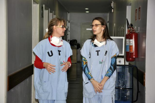 UTI do Hospital Universitário está com leitos lotados e não comporta novos atendimentos. - Crédito: Foto: Hédio fazan