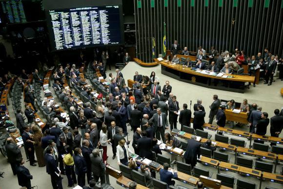 Câmara aprova, em primeiro turno, prorrogação da DRU até 2023. - Crédito: Foto: Wilson Dias/Agência Brasil