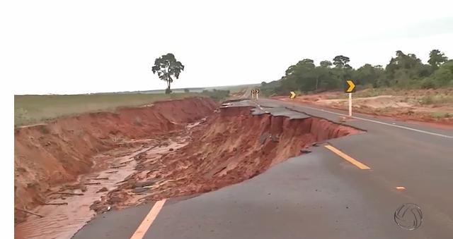 A chuva das últimas semanas trouxe um problema para os moradores em Iguatemi, a 451 km de Campo Grande. - Crédito: Foto: TV Morena