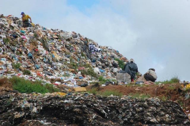 Lixão a céu aberto é proibido desde 2014. - Crédito: Foto: Campo Grande News