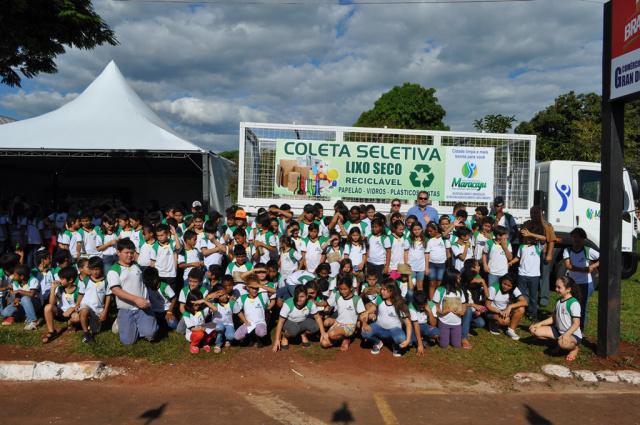 Sindicato em parceria com a prefeitura através da Secretaria de Desenvolvimento e Meio Ambiente leva o projeto 'Coleta Seletiva', que visa promover a conscientização da importância da reciclagem. - Crédito: Foto: Divulgação