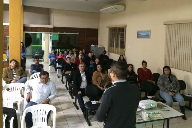 Palestra sobre Educação Financeira aconteceu quarta-feira, dia 1, em Mundo Novo. - Crédito: Foto: Divulgação