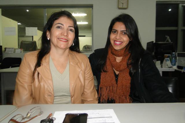 Professora Zélia Nolasco e mestranda Cássia organizam o evento. - Crédito: Foto: Divulgação