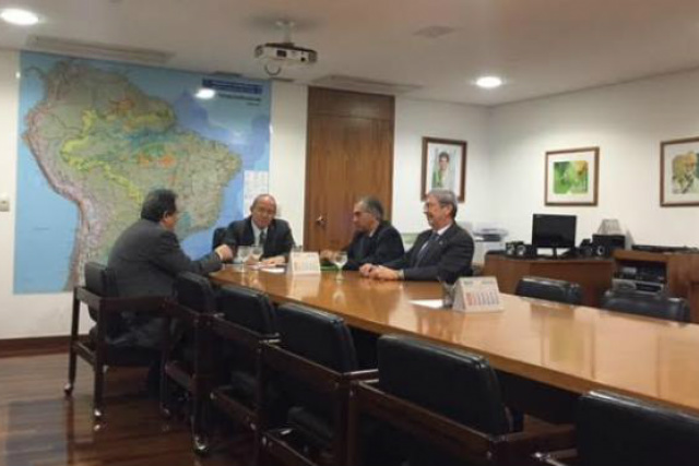 Reinaldo Azambuja reuniu-se com o ministro-chefe da Casa Civil, Eliseu Padilha, para tratar do assunto ontem em Brasília, Capital Federal. - Crédito: Foto: Divulgação