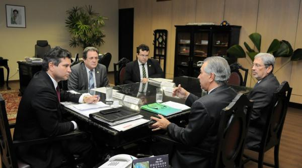 Governador Reinaldo reivindica, no DF, recursos para o MS -