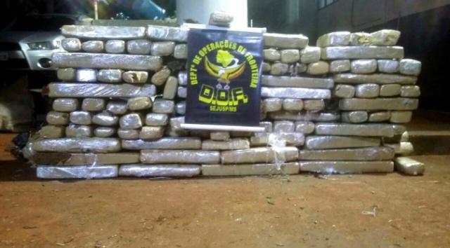 Homens são presos pelo DOF em Maracaju transportando 187 kg de maconha -