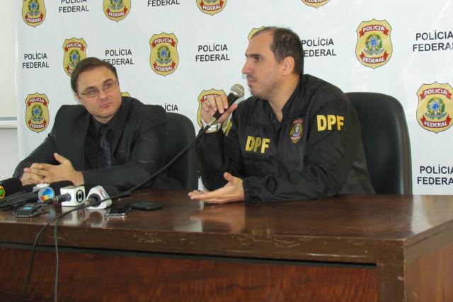 Delegados Cleo Mazzotti e Fabrício Rocha da PF, explicam detalhes da Operação Nevada, desencadeada ontem no MS, MT e SP. - Crédito: Foto: Elvio Lopes