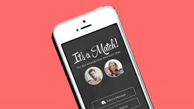 "Aplicativo Tinder no famoso momento ""Match!"" -"