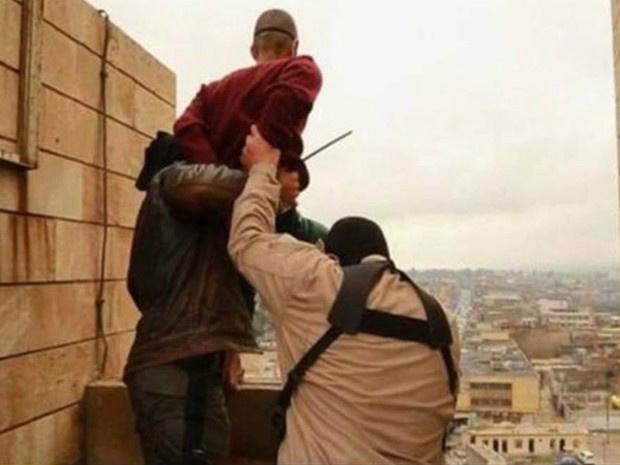 Homossexuais são jogados de prédios em territórios controlados pelo Estado Islâmico - Crédito: Foto: Reprodução/BBC