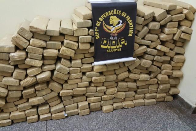 Apreensão de maconha registrada pelo Departamento de Operações de Fronteira no fim de semana. - Crédito: Foto: Divulgação
