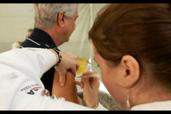 MS terá vacinação contra H1N1 em 10 pontos a partir de terça -