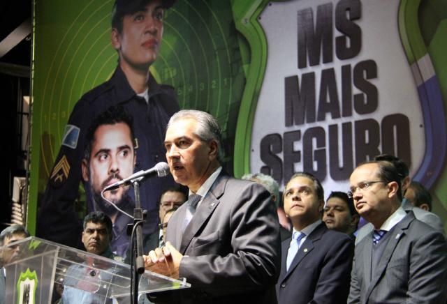 Governador Reinaldo Azambuja e secretário de estado de segurança José Carlos Barbosa durante lançamento do  MS Mais Seguro. - Crédito: Foto: Chico Ribeiro