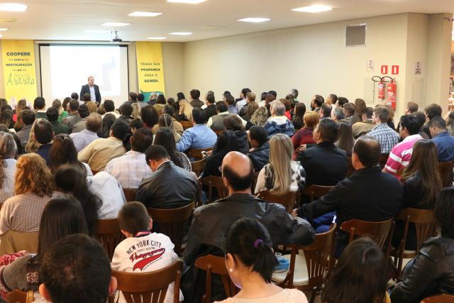 Evento contou com cerca de 200 associados e convidados. - Crédito: Foto: Sicredi