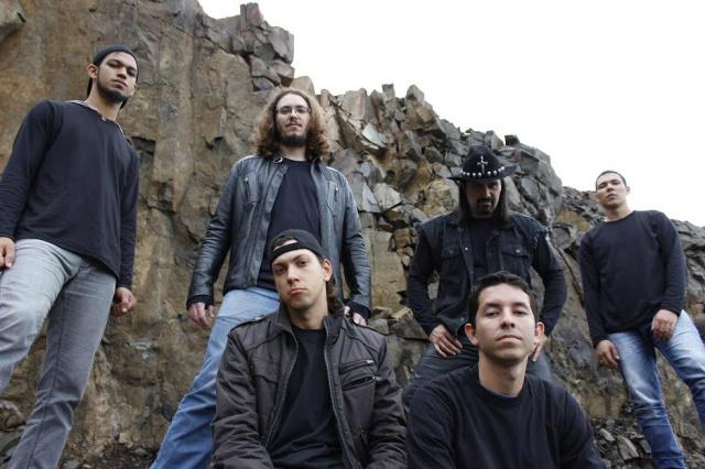 Misbehaviour é a primeira aposta da gravadora no estilo Heavy Metal. - Crédito: Foto: Divulgação