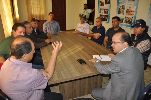 Secretário de segurança Barbosinha recebeu ruralistas e procurador do MPF. - Crédito: Foto: Hedio Fazan