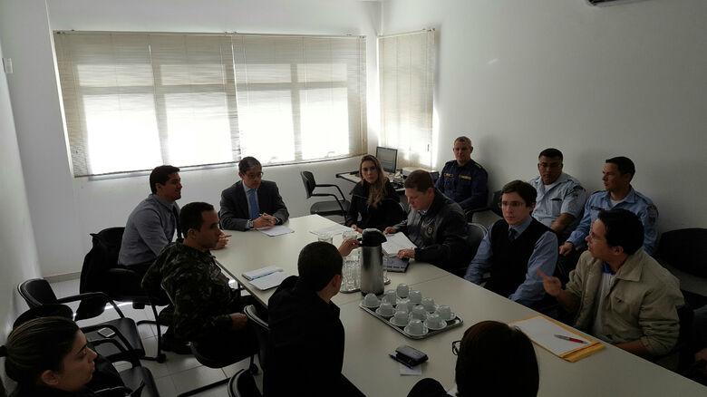 Reunião no MP pediu medidas para segurança da passagem da tocha em DOurados -