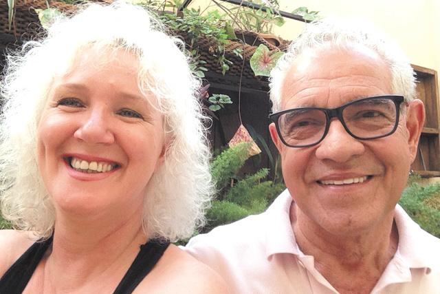 Parabéns e felicidades a Ajurycaba Cortes de Lucena que comemora idade nova hoje, recebendo o carinho da esposa querida, Ivone -