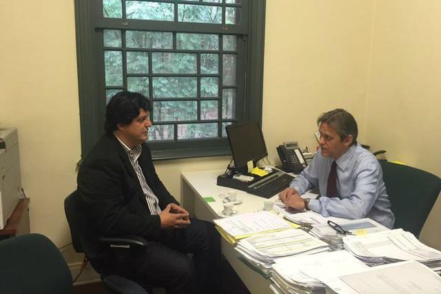 Léo em recente visita à Fundação Butantan; o prefeito havia solicitado ao superintendente um levantamento para atender o pedido. - Crédito: Foto: Assessoria