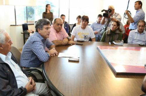 Prefeito Murilo por ocasião do anúncio oficial da rota do revezamento em Dourados, na semana passada – A. Frota  -