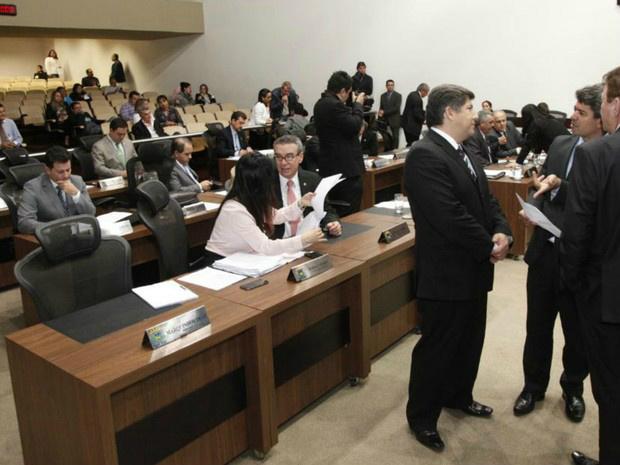 Deputados estaduais de MS na sessão ordinária da Assembleia Legislativa - Crédito: Foto: Roberto Higa/ALMS