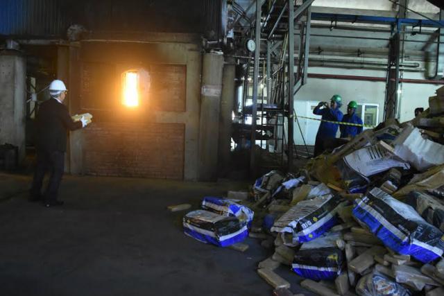 Governo do Estado realizou no Frigorífico JBS, a incineração de 83 toneladas de drogas apreendidas. - Crédito: Foto: Jéssica Barbosa