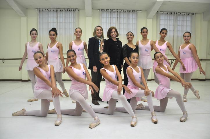 """Bailarinas do Nace, que fazem aulas na Cia Blanche Torres, fazem parte de um dos grupos escolhidos para participar da """"Mostra Cultural/Press Trip/Dourados-MS"""", uma das ações da Tocha. - Crédito: Foto: Hedio Fazan"""